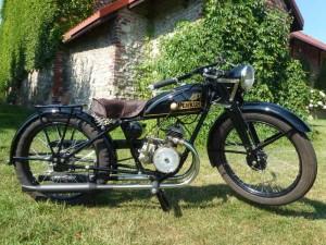 Motocykl z silnikiem Viliers 93 cm3
